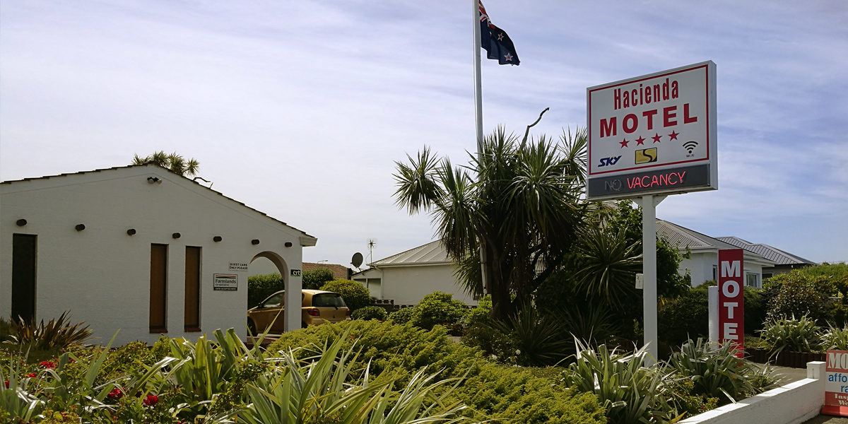 Welcome to Hacienda Motel